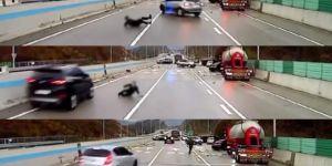 Araçların altında kalmaktan defalarca kurtuldu