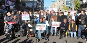 Diyarbakır'da engellilerden farkındalık yürüyüşü