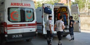 Siirt-Eruh Karayolu'nda çekici ile otomobil çarpıştı: 4 yaralı