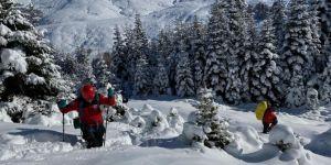 Bursa Uludağ'da kayıp 2 dağcıyı arama çalışmaları sürüyor