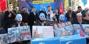 Doğu Türkistan'da yaşanan katliamlar İstanbul'da protesto edildi