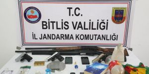 Bitlis merkezli uyuşturucu operasyonu: 40 kişi gözaltına alındı