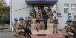 Li dijî kesên ku ji PKKê re elemanan peyda dikin operasyon: 17 binçavî