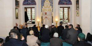 Hayatın her alanında Müslümanca bir tavır içerisinde olmalıyız