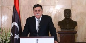 Libya'nın Kahire Büyükelçiliği faaliyetlerini askıya aldı