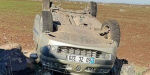 Diyarbakır-Viranşehir yolunda kontrolden çıkan otomobil takla attı: 6 yaralı