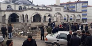 İnşaatı devam edilen camide ceset bulundu