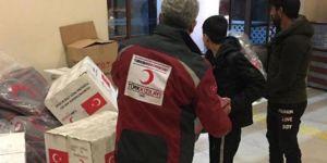 Kızılay'dan Adana'daki sel mağdurlarına yardım