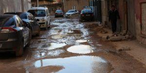 Kızıltepe'de yollar çukurdan ve çamurdan geçilmiyor