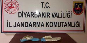 Diyarbakır Kayapınar'da ayakkabı tabanına zulalanmış esrar ele geçirildi