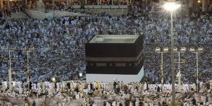 Suudi'den umreciler için bir vergi yükü daha