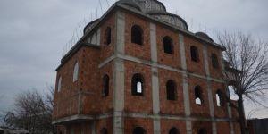 Yapımı tamamlanamayan cami yardım bekliyor