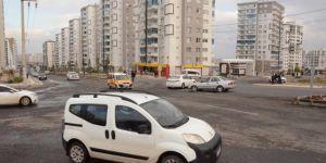 Diyarbakır'da trafik ışıkları olmayan ölümcül kavşak, tehlike saçıyor
