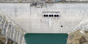 Çetin Dam begins to impound the waters of the Botan River in southeast of Turkey