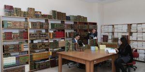 Ağrı İbrahim Çeçen Üniversitesinde İslami İlimler Arapça temel eserler kitaplığı oluşturuldu