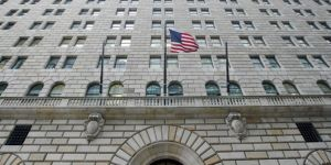 ABD, Irak yönetimini banka hesaplarına erişimi kaybetme riski ile tehdit etti