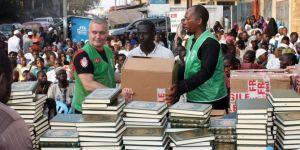 İHH 8 farklı ülkede 22 bin Kur'an-ı Kerim dağıttı