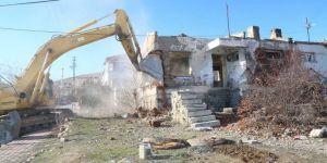 Şehrin Estetiğini Bozan Metruk Binalar Yıkılıyor
