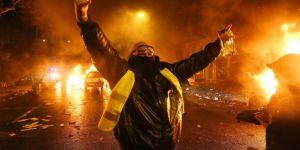 Paris'te Sarı Yelekliler polisle çatıştı: 20 yaralı