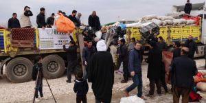 Mahalle sakinleri evlerindeki eşyaları İdlibli kardeşlerine yolladı