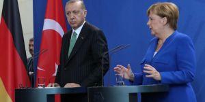 Almanya Başbakanı Merkel, Cumhurbaşkanı Erdoğan'ın davetlisi olarak İstanbul'a geldi