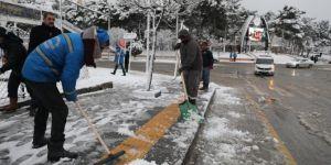 Artuklu'da kar temizleme çalışması başladı