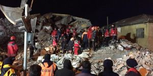 A 6-month pregnant woman and a child rescued alive from rubble in Elazığ