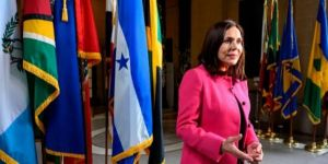 The interim government of Bolivia suspends diplomatic relations with Cuba