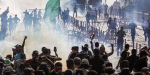 Irak güvenlik güçlerinden Iraklı göstericilere sert müdahale