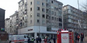 Binadan çatırtı sesleri gelmesi üzerine binanın yıkım kararı alındı