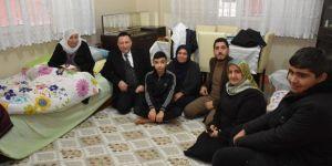 Diyarbakır Bağlar Belediye Başkanından hasta ve yaşlılara ziyaret