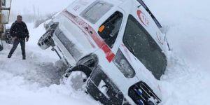 Bingöl'de de kar yağışı nedeniyle 254 köy yolu ulaşıma kapandı
