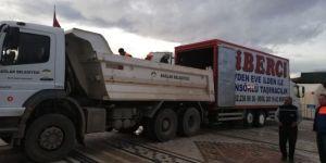 Diyarbakır Bağlar Belediyesinden depremzedelere yardımlar devam ediyor