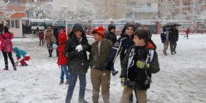 Diyarbakır'da yoğun kar yağışından dolayı eğitime 1 gün ara verildi