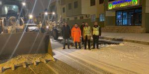 Bağlar Belediyesi kar temizleme çalışmaları başlattı