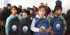 Resulayn'da öğrencilere kırtasiye, ihtiyaç sahiplerine de soba yardımı yapıldı