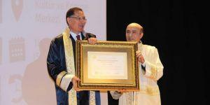 Dicle Üniversitesi'nden Malkoç'a fahri doktora unvanı