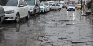 Diyarbakırlı vatandaşlar: Melik Ahmet Caddesinin bu hali tarihi Sur İlçemize yakışmıyor