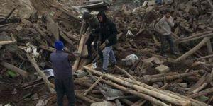 İran'daki deprem dolayısıyla Van'da 7 kişi hayatını kaybetti, enkaz altında kalanlar var