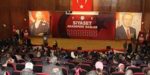 Diyarbakır'da siyaset akademisi kursu düzenlendi