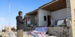 Sabahın ilk ışıklarıyla depremdeki yıkımın boyutu ortaya çıktı