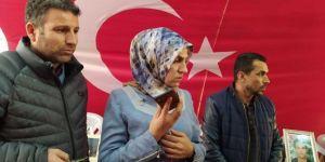 Cumhurbaşkanı Erdoğan evlat nöbetindeki aileleri telefonla aradı