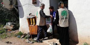 Umut Kervanı, Antalya'da ihtiyaç sahiplerine gıda yardımında bulundu