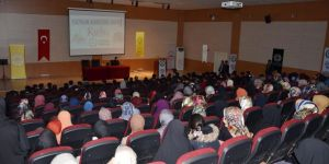 """Üniversiteli öğrencilerden """"Kudüs Bizimdir"""" konferansı"""
