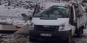 Diyarbakır-Viranşehir yolunda dolu sonrası kayganlaşan yol kazaya sebep oldu: 2 yaralı