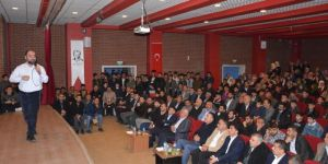 """İlahiyatçı Ahmet Bulut: """"Namaz, Allah ile bağlantı kurulacak en güzel ibadettir"""""""