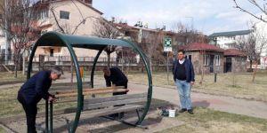 Bingöl'de bakım çalışması yapılan parklar yeni bir görünüme kavuşuyor