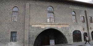 Corona virüs nedeniyle Diyarbakır'da Cuma namazı eda edilemedi