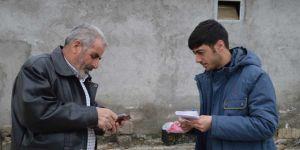 Ağrı'da PTT, evde kalan yaşlı ve engellilerin maaşlarını evlerine teslim ediyor