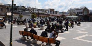 """""""Evde kal"""" çağrısı Diyarbakır'da etkili olmadı"""
